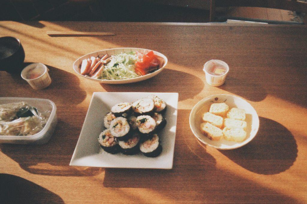 やっさんのお母さんの朝ごはん 手づくり手巻き寿司 おいしかった!!!